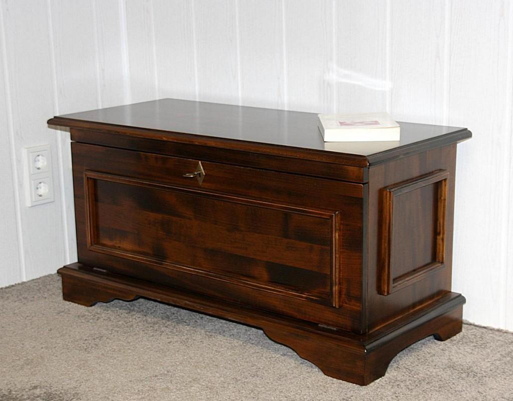 truhe kolonial sitztruhe aussteuertruhe brauttruhe massiv. Black Bedroom Furniture Sets. Home Design Ideas