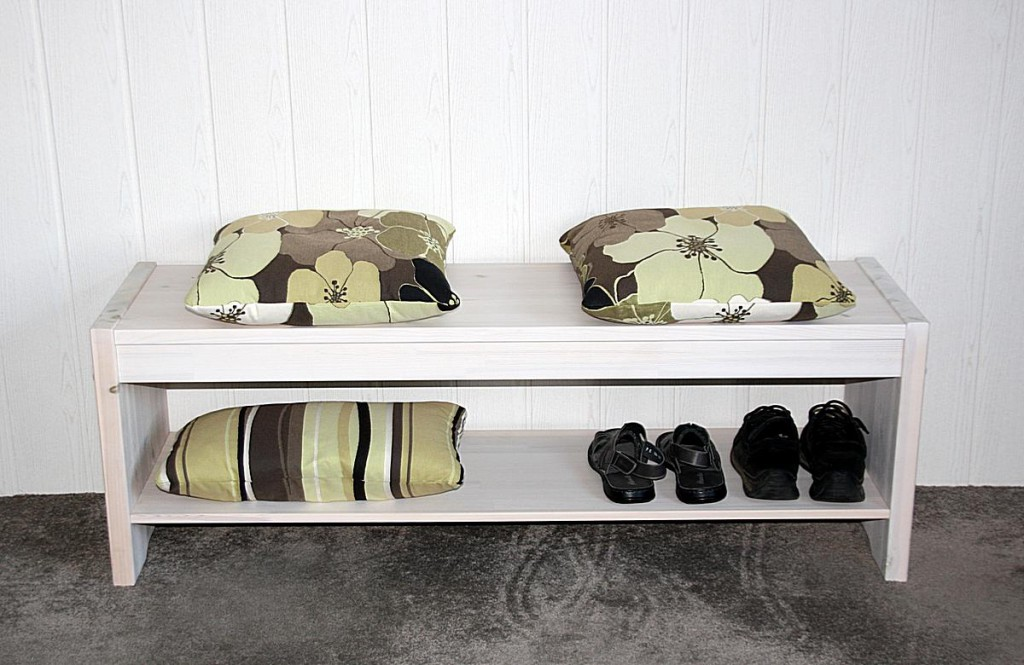 massivholz flurbank kiefer wei sitzbank bettbank. Black Bedroom Furniture Sets. Home Design Ideas