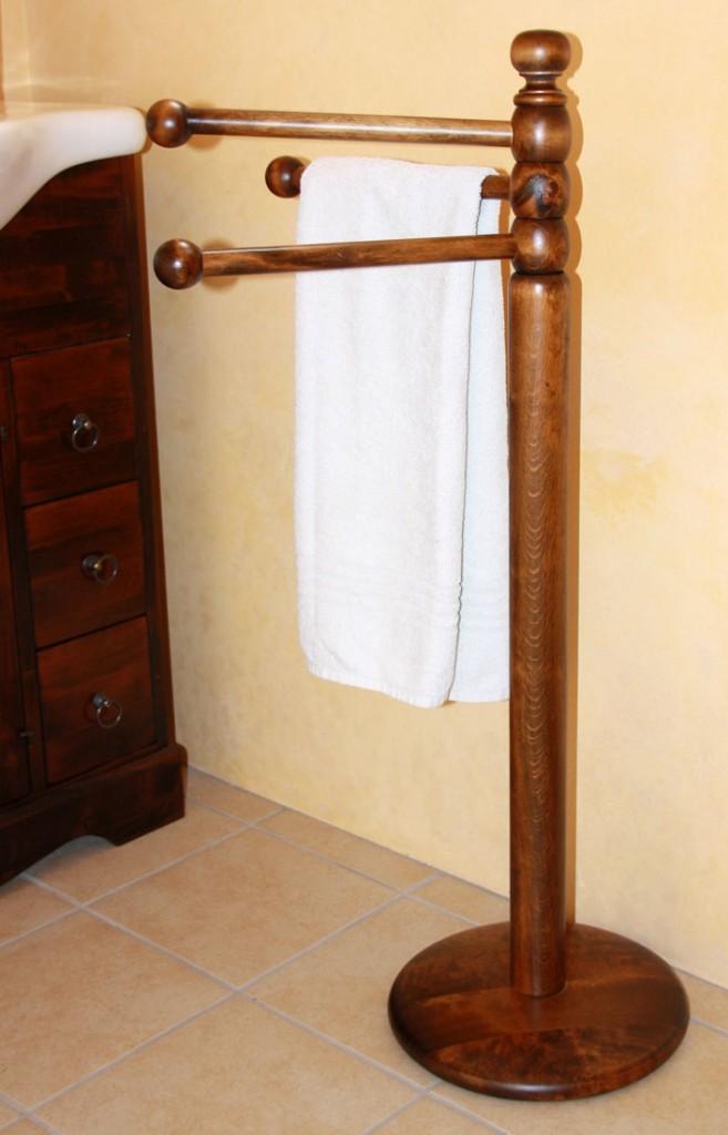 handtuchhalter st nder standhandtuchhalter holz massiv. Black Bedroom Furniture Sets. Home Design Ideas