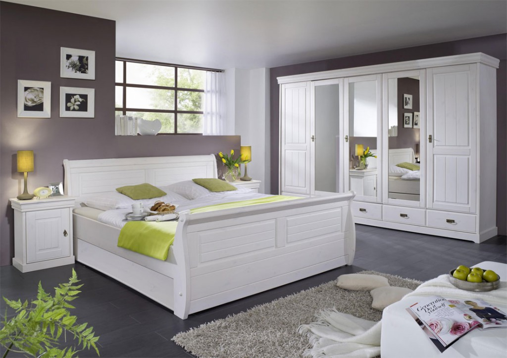 massiv holzbett 140x200 bett doppelbett kiefer massiv holz wei gewachst. Black Bedroom Furniture Sets. Home Design Ideas
