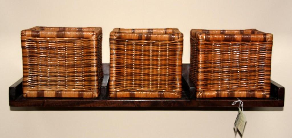 Wandregal holz antik  Wandboard Holz Akazie Wandregal antik lackiert mit 3 Rattankörben ...