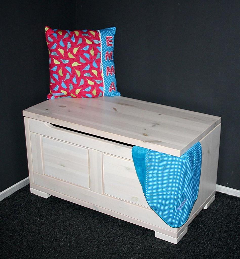 massivholz truhe 84x45x43cm kiefer sitztruhe holztruhe w schetruhe wei lasiert. Black Bedroom Furniture Sets. Home Design Ideas