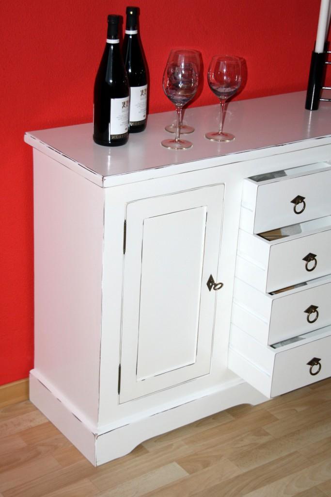 kommode wei antik sideboard anrichte 2 t ren und 4 schubladen pappel. Black Bedroom Furniture Sets. Home Design Ideas