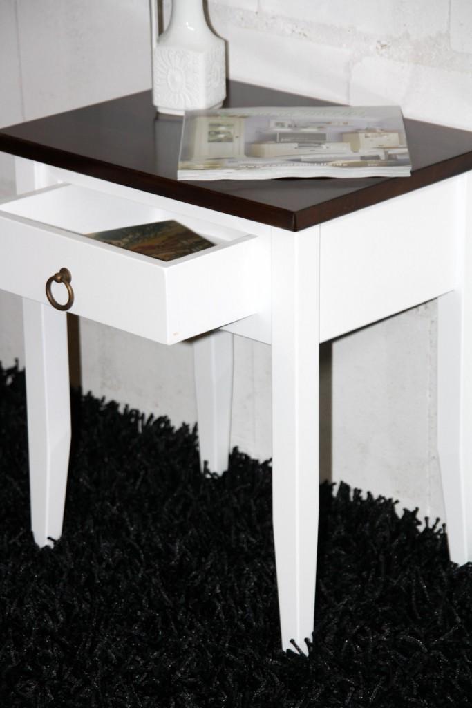 nachttisch zweifarbig wei nussbaum nachtkommode. Black Bedroom Furniture Sets. Home Design Ideas