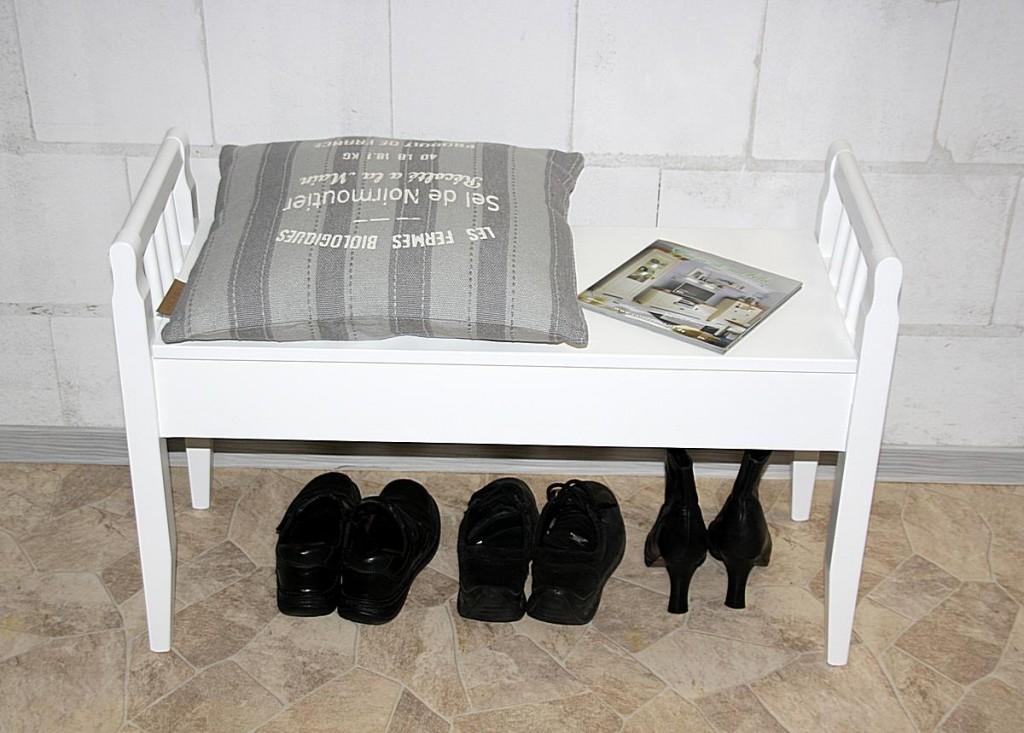 sitzbank wei holzbank bank massiv holz dielenbank truhenbank. Black Bedroom Furniture Sets. Home Design Ideas