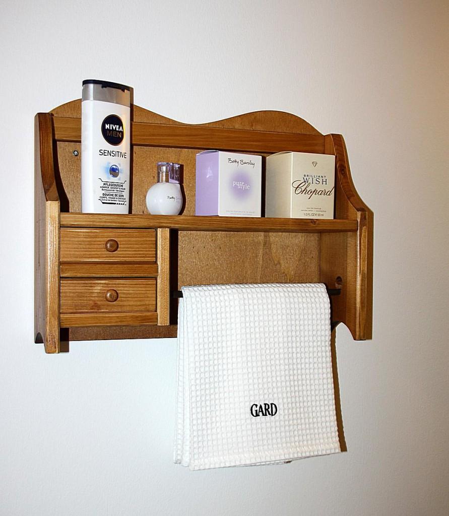 massivholz k chenrollenhalter honigfarben 2 schubladen k chenregal handtuchhalter holz. Black Bedroom Furniture Sets. Home Design Ideas