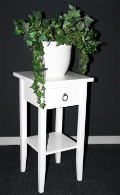wohnzimmerm bel aus massivholz vitrinen sideboard. Black Bedroom Furniture Sets. Home Design Ideas