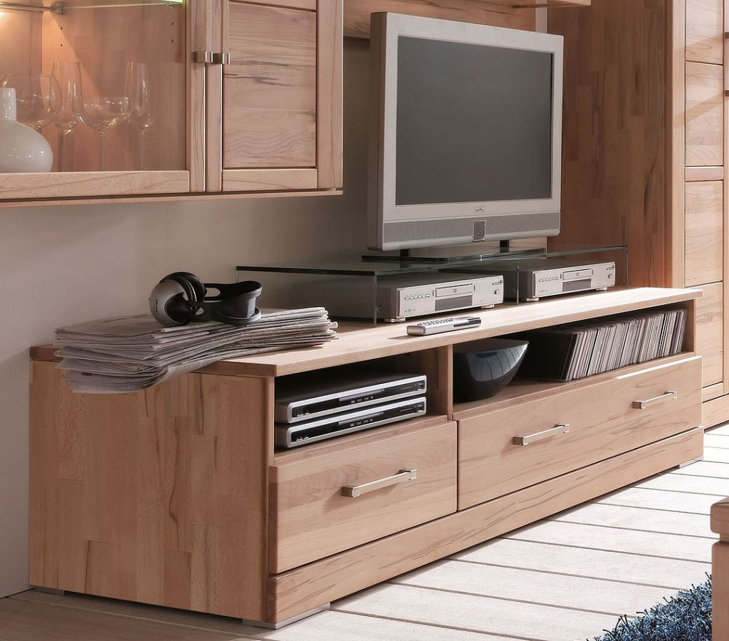 lowboard aus wiederaufbereitetem holz. Black Bedroom Furniture Sets. Home Design Ideas