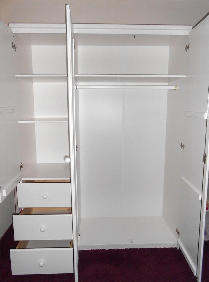 massivhholz kinderzimmerschrank wei kleiderschrank kiefer massiv lackiert. Black Bedroom Furniture Sets. Home Design Ideas