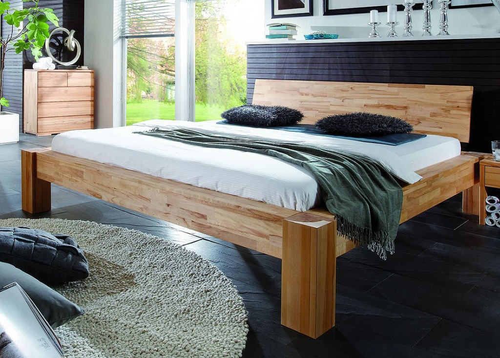 massivholz balkenbett holzbett doppelbett buche massiv holz 180x200 ge lt. Black Bedroom Furniture Sets. Home Design Ideas