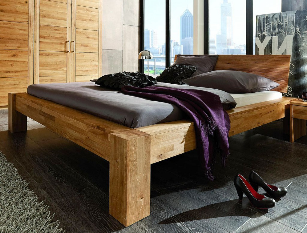 massivholz balkenbett 200x200 unikat holzbett wildeiche. Black Bedroom Furniture Sets. Home Design Ideas