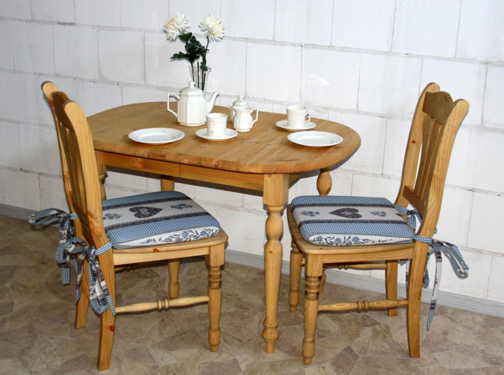esstisch landhausstil rund interior design und m bel ideen. Black Bedroom Furniture Sets. Home Design Ideas