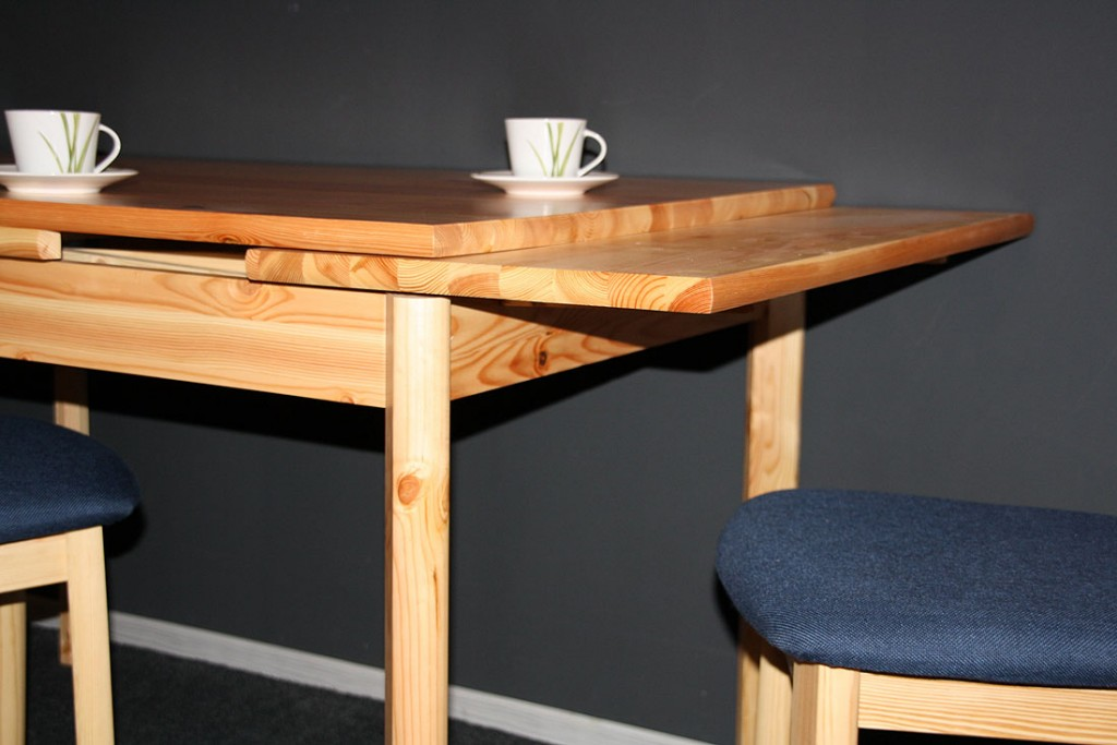 Tisch naturholz interesting baumkanten esstisch feconda for Moderner ausziehtisch