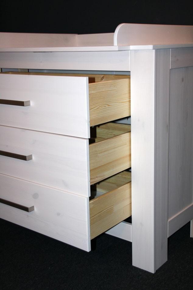 massivholz wickelkommode wickeltisch wei kommode kiefer. Black Bedroom Furniture Sets. Home Design Ideas