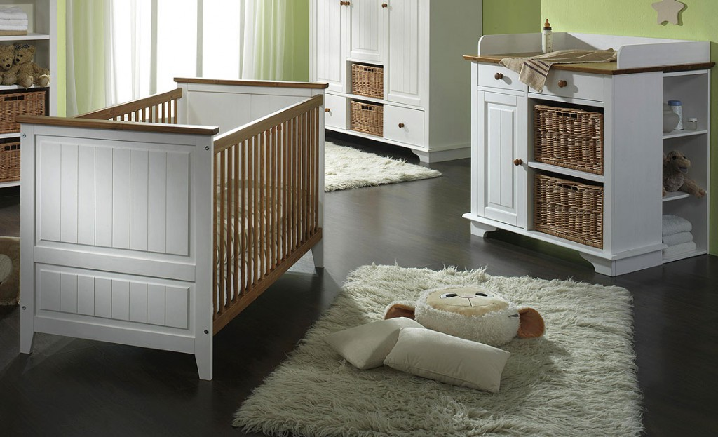 massivholz babybett wickelkommode unterbauregal wei honig. Black Bedroom Furniture Sets. Home Design Ideas