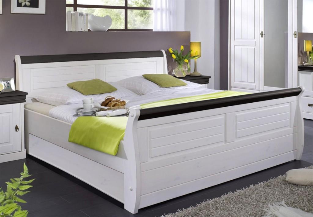 massiv holzbett 140x200 bett doppelbett kiefer massiv holz wei kolonial. Black Bedroom Furniture Sets. Home Design Ideas