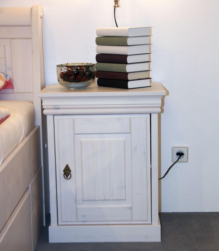 massivholz bett mit bettkasten und nachtisch kiefer massiv. Black Bedroom Furniture Sets. Home Design Ideas