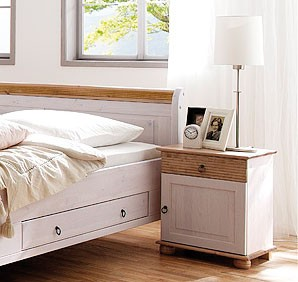 massivholz schlafzimmer set komplett kiefer massiv wei antik. Black Bedroom Furniture Sets. Home Design Ideas