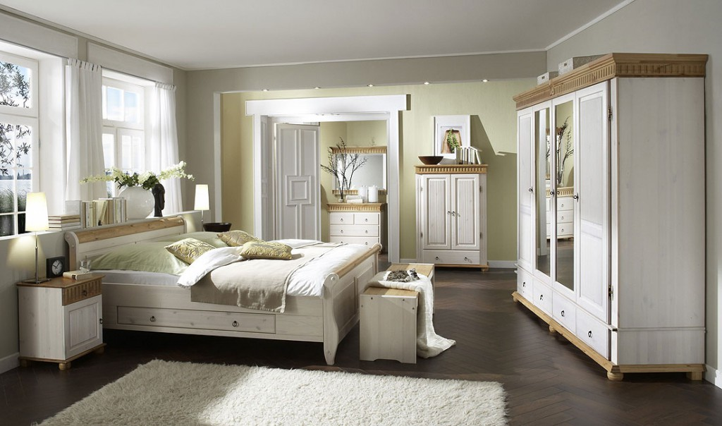massivholz schlafzimmer set euro 6teilig komplett kiefer massiv wei antik. Black Bedroom Furniture Sets. Home Design Ideas