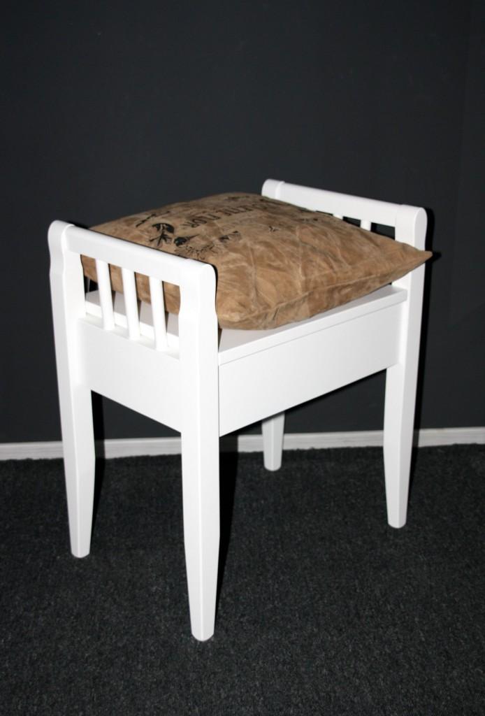 massivholz sitzbank holzbank truhenbank bank holz massiv wei. Black Bedroom Furniture Sets. Home Design Ideas