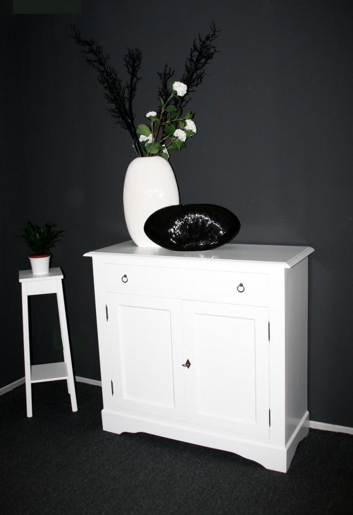 kommode wei lackiert sideboard anrichte w schekommode holz massiv. Black Bedroom Furniture Sets. Home Design Ideas